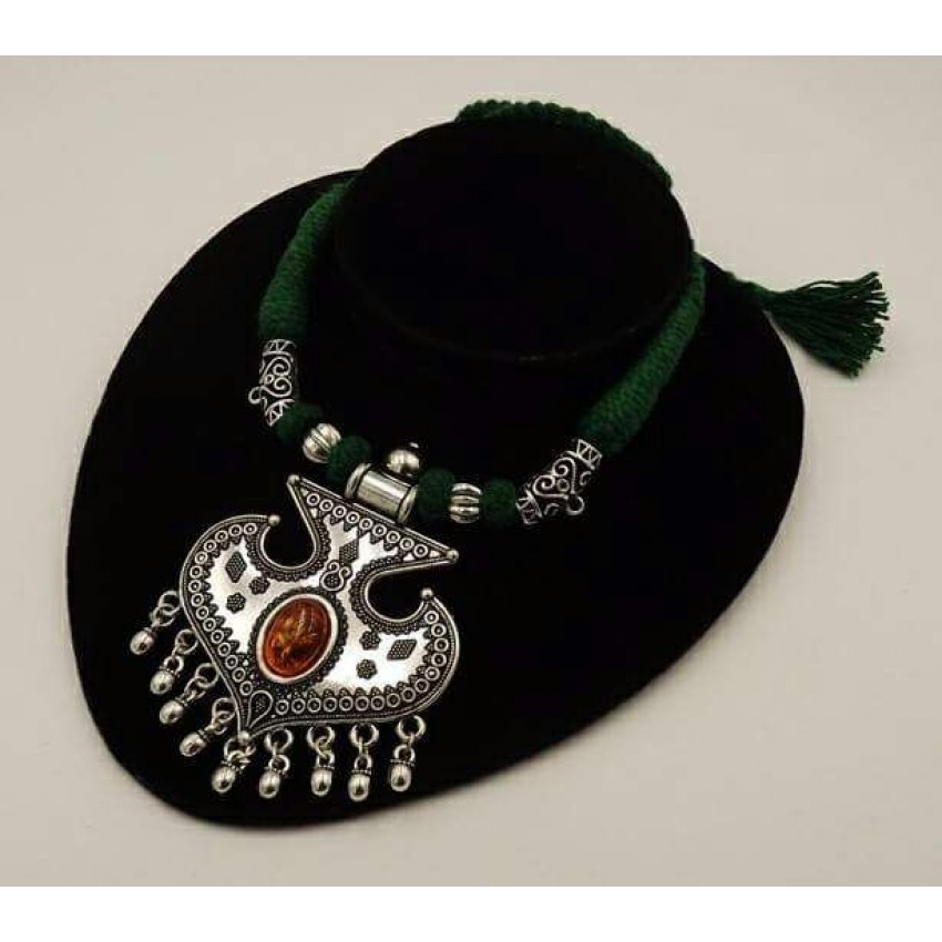 Handmade German silver green thread round  pendent necklace